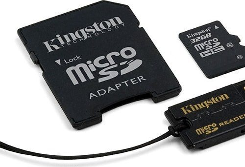 20171114161006_kingston_microsdhc_32gb_class_10_with_adapter_and_usb_cardreader